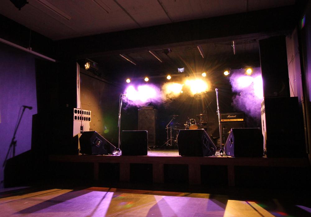 ライブハウス ステージ写真2