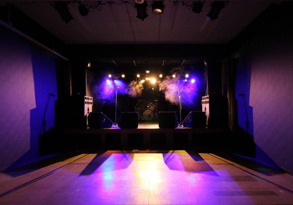 ライブハウス ステージ写真1